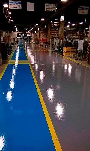 Tinta epóxi piso industrial