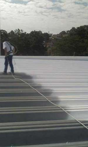 Tinta isolante térmico para telhado